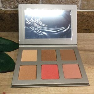 New Iconic London Blaze Chaser Face Palette
